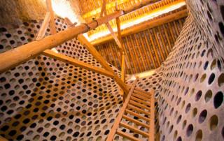 Bienvenue à l'intérieur d'un pigeonnier du Luberon : le jas de Puyvert.