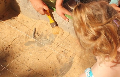 Découverte de la géologie et des fossiles grâce au géorium - photo PNRL Solgne Louis
