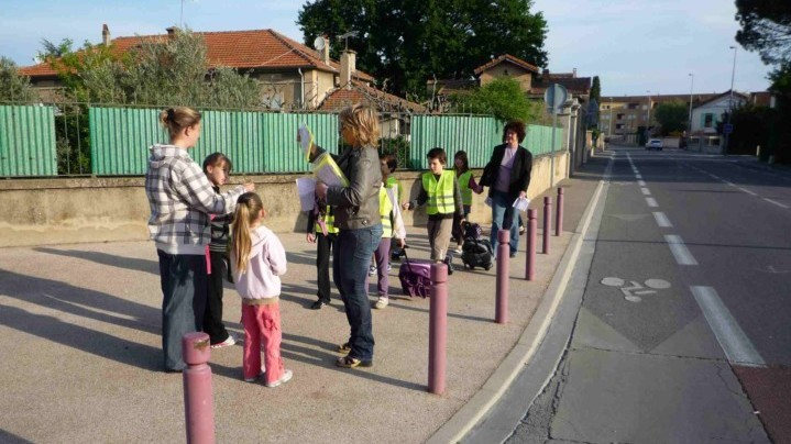 Sur les chemins de l'école, le matin, à Cavaillon photo PNRL Sophie Billaud