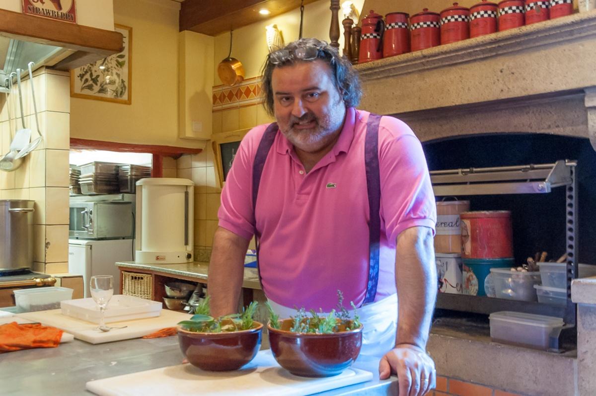 Thierry Crovara dans la cuisine du Mas des grès