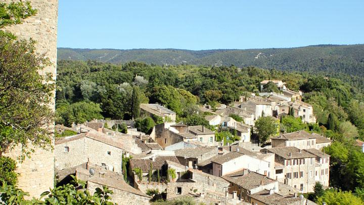 Les maisons du village de Ménerbes (photo PNRL - Jérémie Haye)