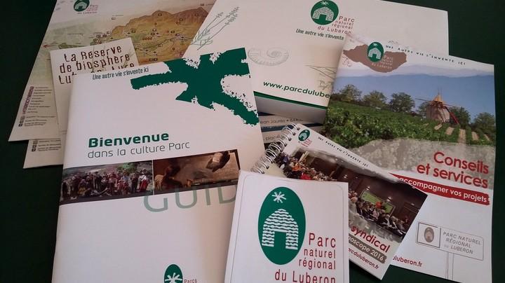 Kit d'accueil pour les délégués au Parc du Luberon (photo PNRL - Solgne Louis)