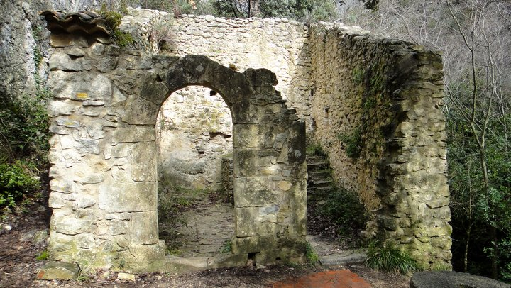 Moulin dans les gorges de Véroncle