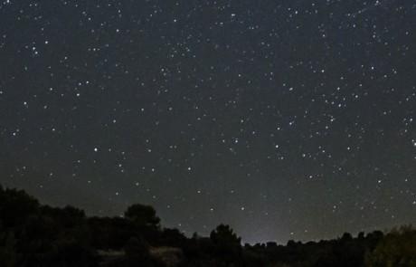 Ciel étoilé sur Saint-Saturnin les Apt © David Tatin