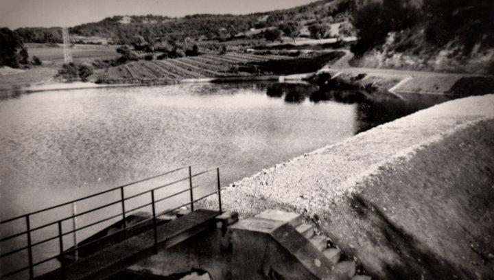 Barrage du Colombier à la Bastide-des-Jourdans (carte postale)