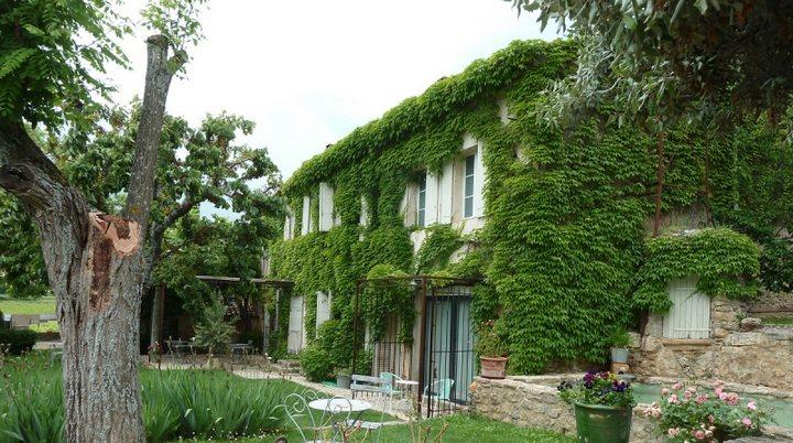 Chambre d'hôtes Domaine La Parpaille à Cucuron (photo PNRL Laure Reynaud)