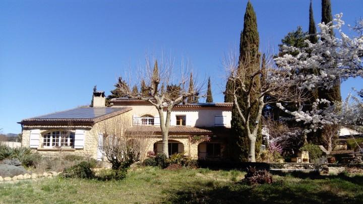 Chambres d'hôtes Le Grand Jardin d'Élisabeth marquée Valeurs Parc Luberon (Photo droits réservés)