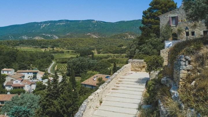 Chemins du patrimoine à Cabrières-d'Aigues (photo PNRL)